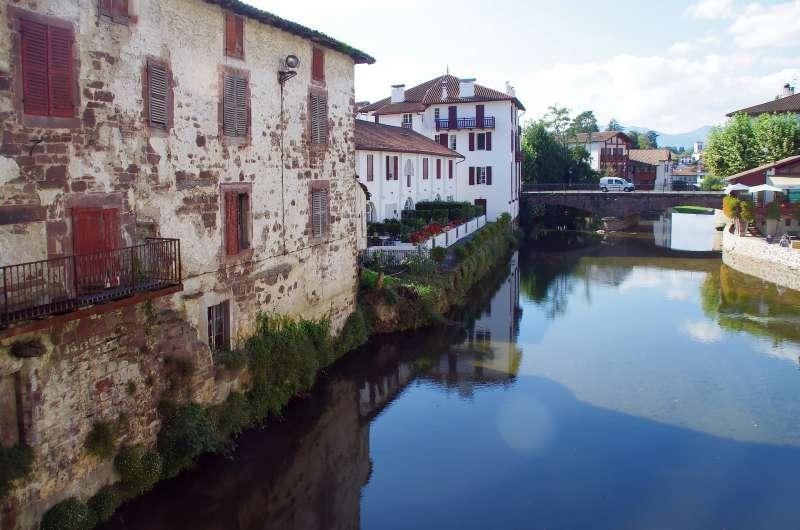 聖讓皮耶德港(St. Jean Pied de Port,簡稱SJPP)(取自pixabay)
