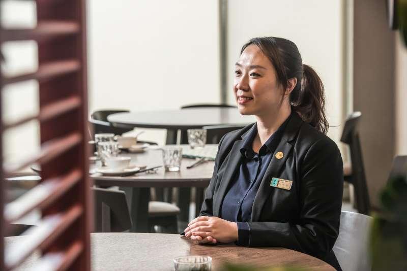 大直分店店經理林欣怡表示,餐廳裡提供莆田與新加坡兩種不同風味菜系,不管你要宴客或是日常用餐,都非常適合。 (圖/風傳媒)