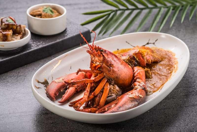 新推出的「辣椒龍蝦」在情人節套餐中磅礡登場。 (圖/風傳媒)