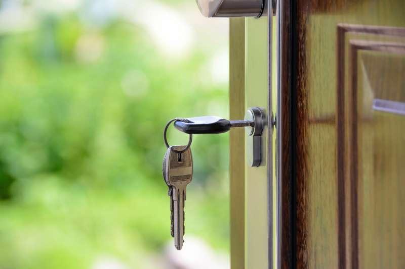 買房估價善用資訊,查詢你所找的到的所有資源。(圖/ pexels)