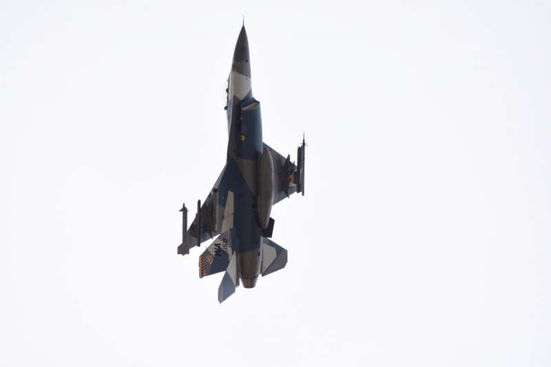 來到內利斯空軍基地,首先要捕捉的就是有特殊彩繪的F-16或F-15,如照片中這架83-159。/許劍虹 攝。