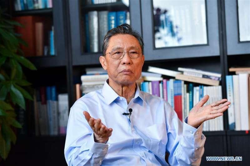 中國國家衛健委高級別專家組組長、中國工程院院士鍾南山。(新華社)