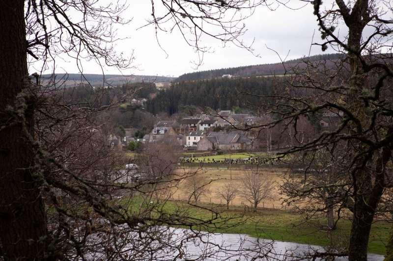2019年12月,蘇格蘭斯佩賽德,斯佩河流經阿伯勞爾的景色。(圖/SOPHIE GERRARD FOR THE WALL STREET JOURNAL)