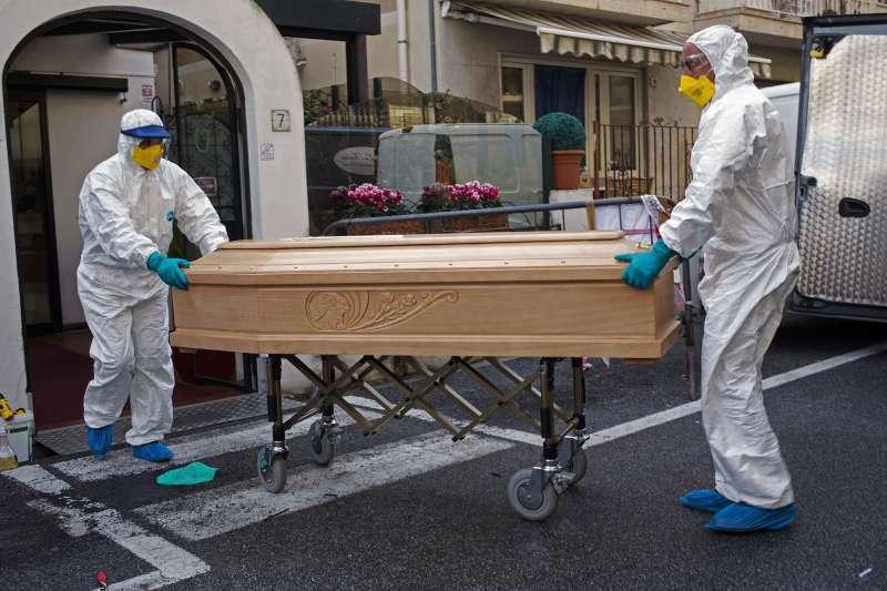 武漢肺炎:義大利疫情一發不可收拾,成為亞洲外確診人數最多的國家(AP)