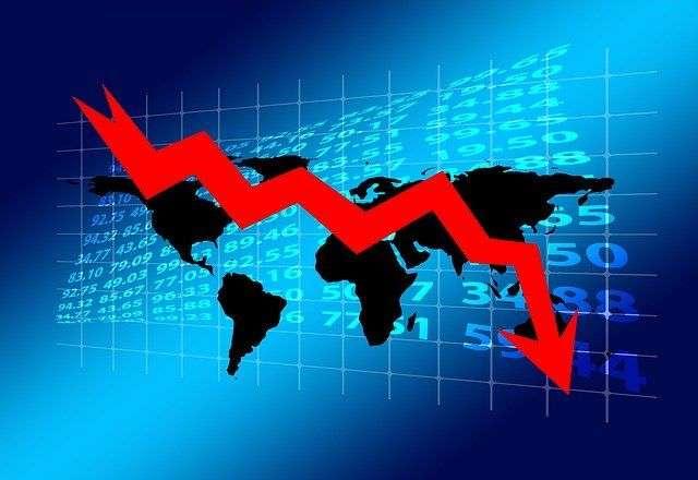 遇到金融危機,就算持有股票市值折半,只要持有的是穩定配息的股票,縱使股息打六折,每年還是有股息的收入,加上原本預留的2~3年生活費,還是可以在金融海嘯中活下來,等待復甦。圖/方格子 Vocus