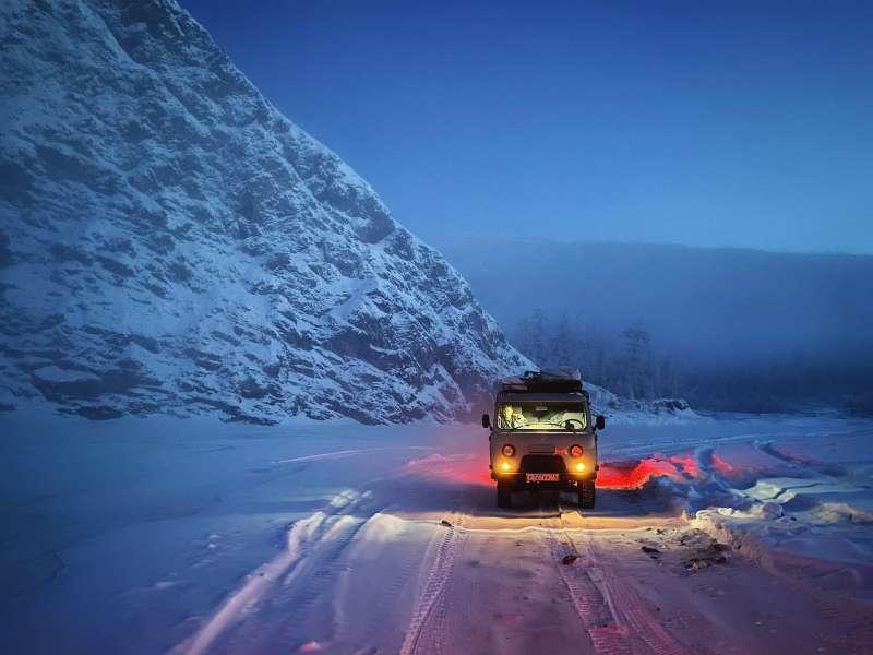 20200304Konstantin以夜間模式拍攝出極具戲劇性的冷戰風格作品。(圖片取自:Apple/Photo Credit:Konstantin-Chalabov)