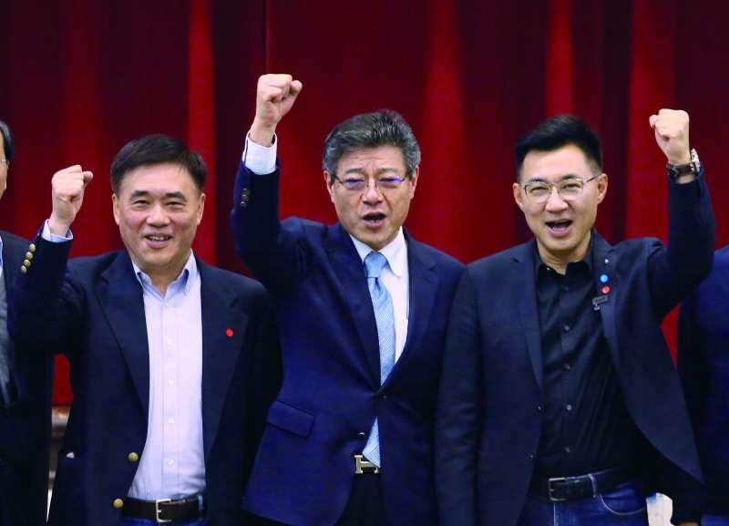 郝龍斌(左)和江啟臣(右)的黨主席競選手段,未見革新氣象。(柯承惠攝)