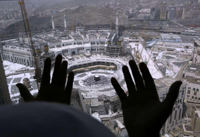 因應武漢肺炎疫情,許多穆斯林國家也要求清真寺不要舉行週五禮拜。(AP)