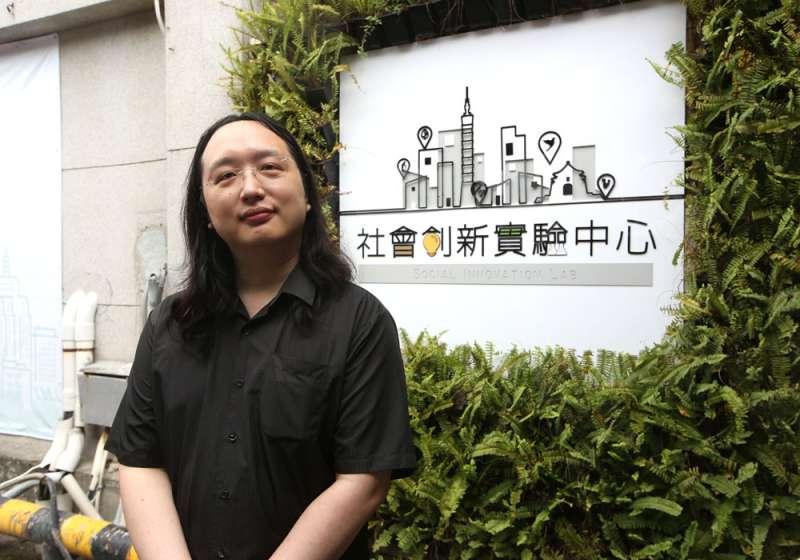 成年後的唐鳳,用行動告訴大家,一個天才可以對社會做出怎樣的貢獻。(郭晉瑋攝)