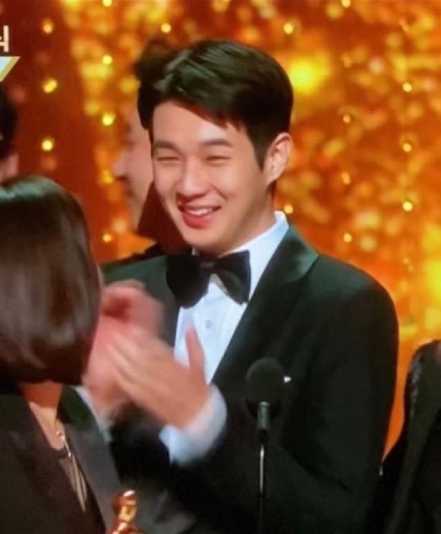 朴敘俊在電影《寄生上流》奪得奧斯卡最佳電影時,為他的好朋友崔宇植興奮尖叫。(圖/朴敘俊Instagram)