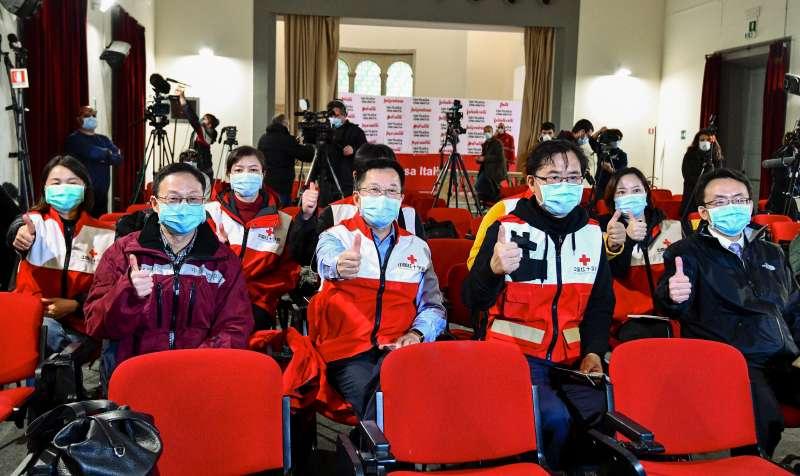 武漢肺炎(新冠肺炎)重創義大利,中國紅十字會醫療志工馳援(AP)