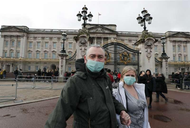 武漢肺炎(新冠肺炎)疫情侵襲英國,當局的「佛系」防疫措施引發質疑(AP)