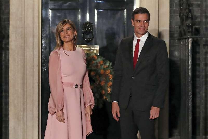 2020年3月,西班牙總理桑切斯(Pedro Sánchez)的夫人碧歌娜(Begona Gomez)確診感染武漢肺炎(新冠肺炎)(AP)