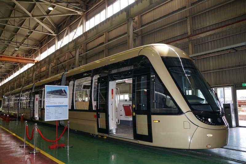 安坑輕軌首列車預計110年可運抵新店安坑機廠交付。(圖/新竹縣政府提供)