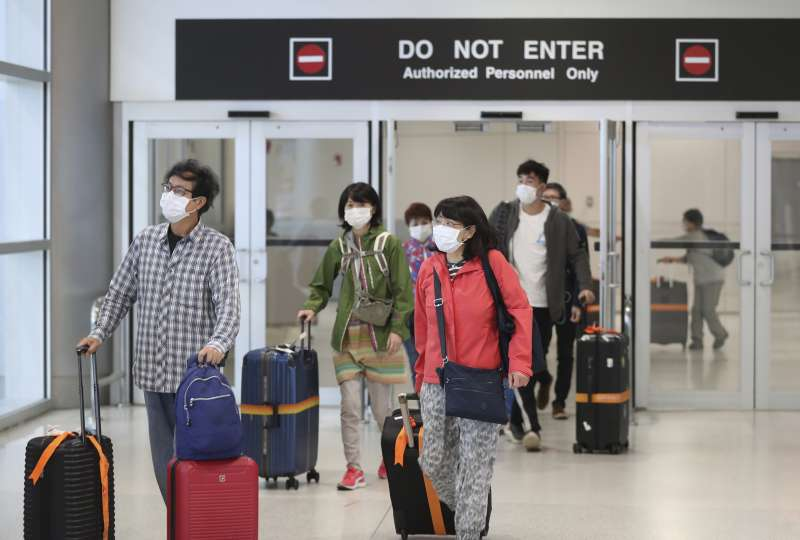 2020年3月,美國新冠肺炎(武漢肺炎)疫情升高,機場檢疫措施全面加強(AP)