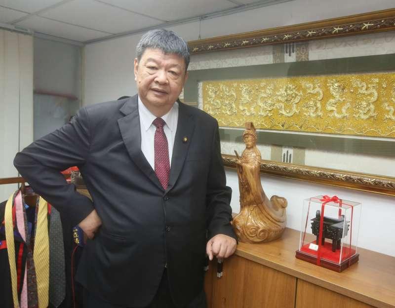 陳雪生憑藉在國大代表及縣長任內提供鄉親醫療服務,選上立委。(柯承惠攝)