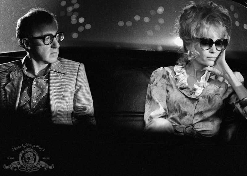 1984年,米亞法羅主演伍迪艾倫電影《瘋狂導火線》。(圖/IMDb)