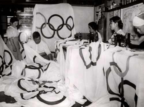 日本為1940年東京奧運製作五環旗幟(維基百科公有領域)