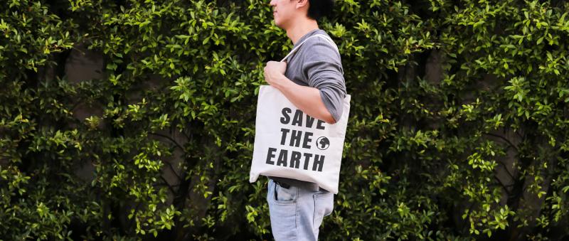 王道銀行推出「綠色消費力@王道」活動,至指定店家刷卡消費即加碼提供現金回饋。(圖/王道銀行)