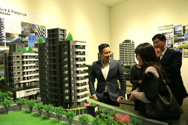 建商推新案,不忘規畫小坪數房型,說明看好這塊市場的穩定需求。(翻攝自大隱小藍海臉書)
