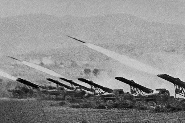 林挺生:紅軍喀秋沙多管火箭發射器(資料來源:Wikimedia Commons)