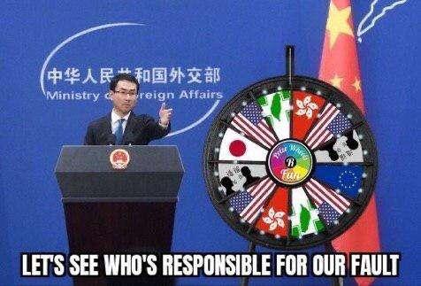 小川普做了「責任輪盤」,第一次是美國,第二次是轉盤上不存在的義大利,下次會是誰呢?(圖/小川普臉書)