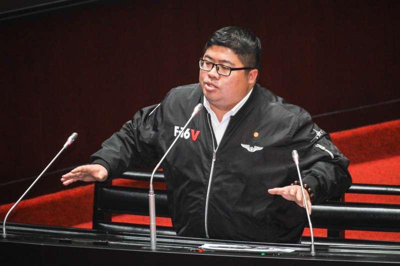 20200331-立委蔡易餘於立院進行一會期第六次會議質詢。 (蔡親傑攝)