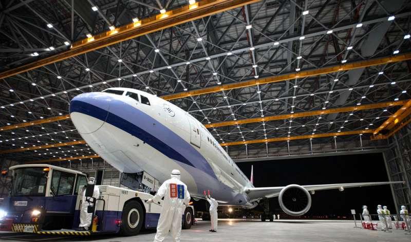 滯留湖北的台灣人,到上海搭乘類包機的過程充滿轉折。(軍聞社提供)