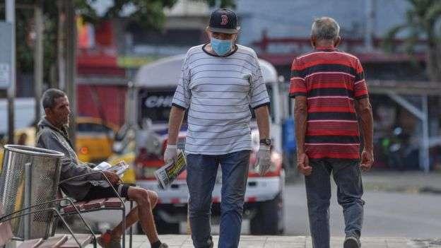 巴拿馬規定異性不得同時外出。 (BBC中文網)