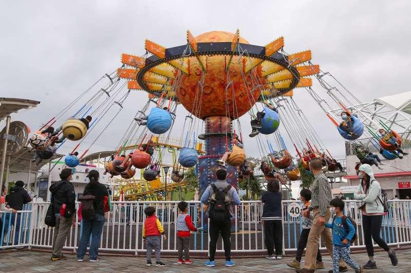 20200402-台北市兒童樂園清明連假人潮,相較疫前較為稀少。(顏麟宇攝)