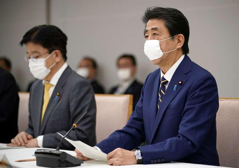 2020年4月7日,日本首相安倍晉三宣布對首都東京等7個地區發布「緊急事態宣言」(AP)