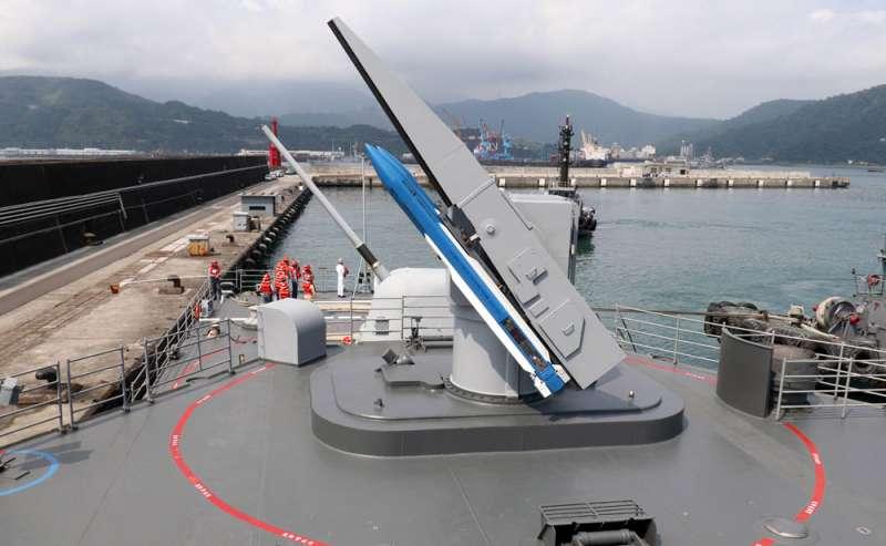 台灣基隆級艦上配備標二飛彈,現應會以標三為主要爭取目標。(蘇仲泓攝)