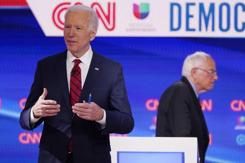2020年美國總統大選,民主黨內初選參選人,拜登(Joe Biden,左)與桑德斯(Bernie Sanders)(AP)