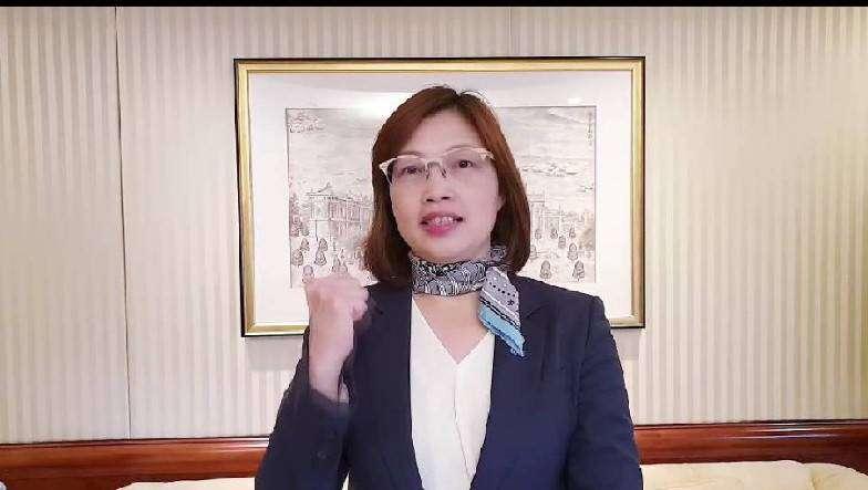 漢來大飯店營運總監陳素娟幫大家加油打氣,這段疫情蔓延的時間,全民都辛苦了。(圖/徐炳文攝)