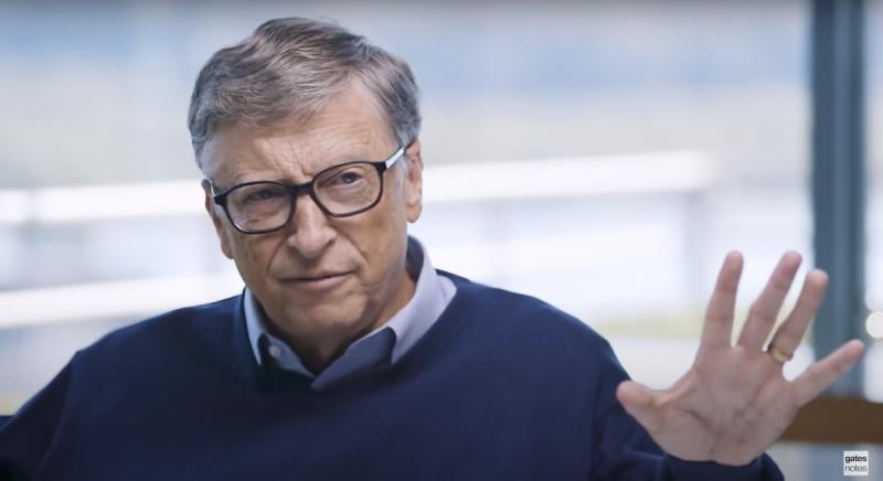 比爾蓋茲表示,要到2021年秋季,美國人才算是安全脫離疫情。(圖/截自Bill Gates Youtube)