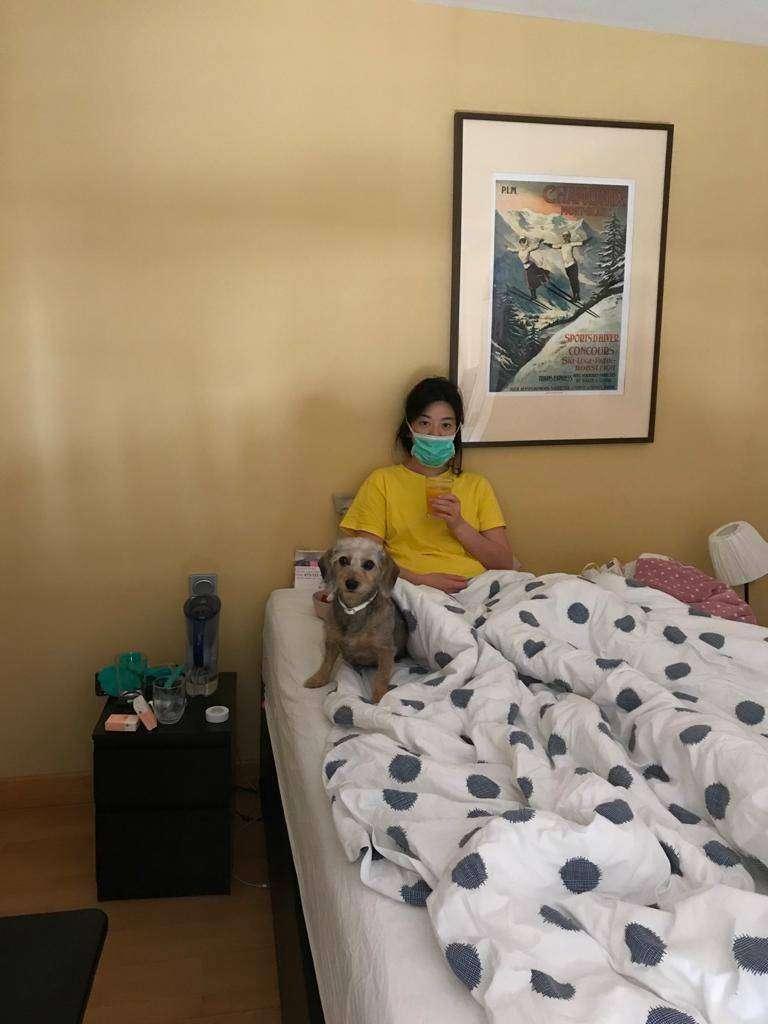 20200414-我國僑務委員劉金枝的小女兒是眼科護理人員,目前正在家隔離治療。(溫玉霞辦公室提供)