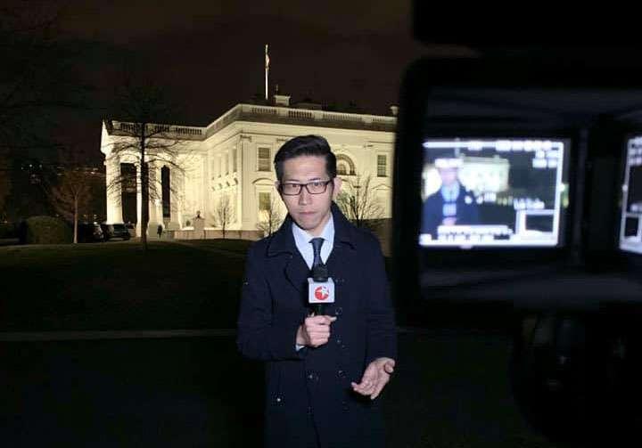 上海東方衛視記者張經義避談自己代表中國官媒,而說自己來自台灣,引發熱議。(翻攝自張經義之《白宮義見》臉書)