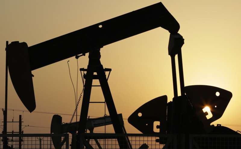 瑞銀認為,近期美國油市極端不匹配的狀況應該會在下半年結束。(美聯社)