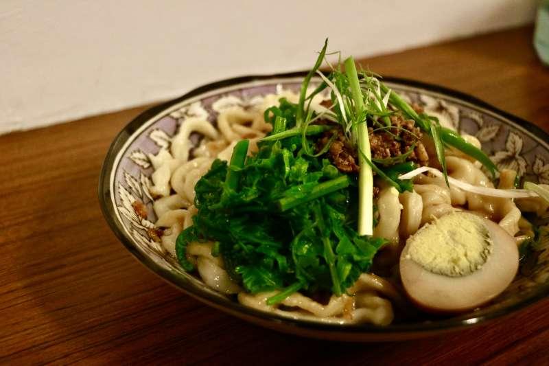 大陸婆婆麵食館的油潑麵(攝影/賴韻琳)