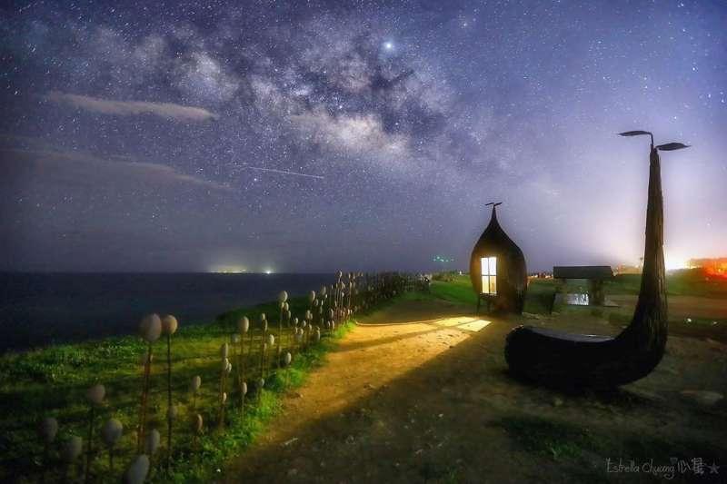 加路蘭海岸的銀河星空(圖/翻攝自estrella_chuang@instagram)