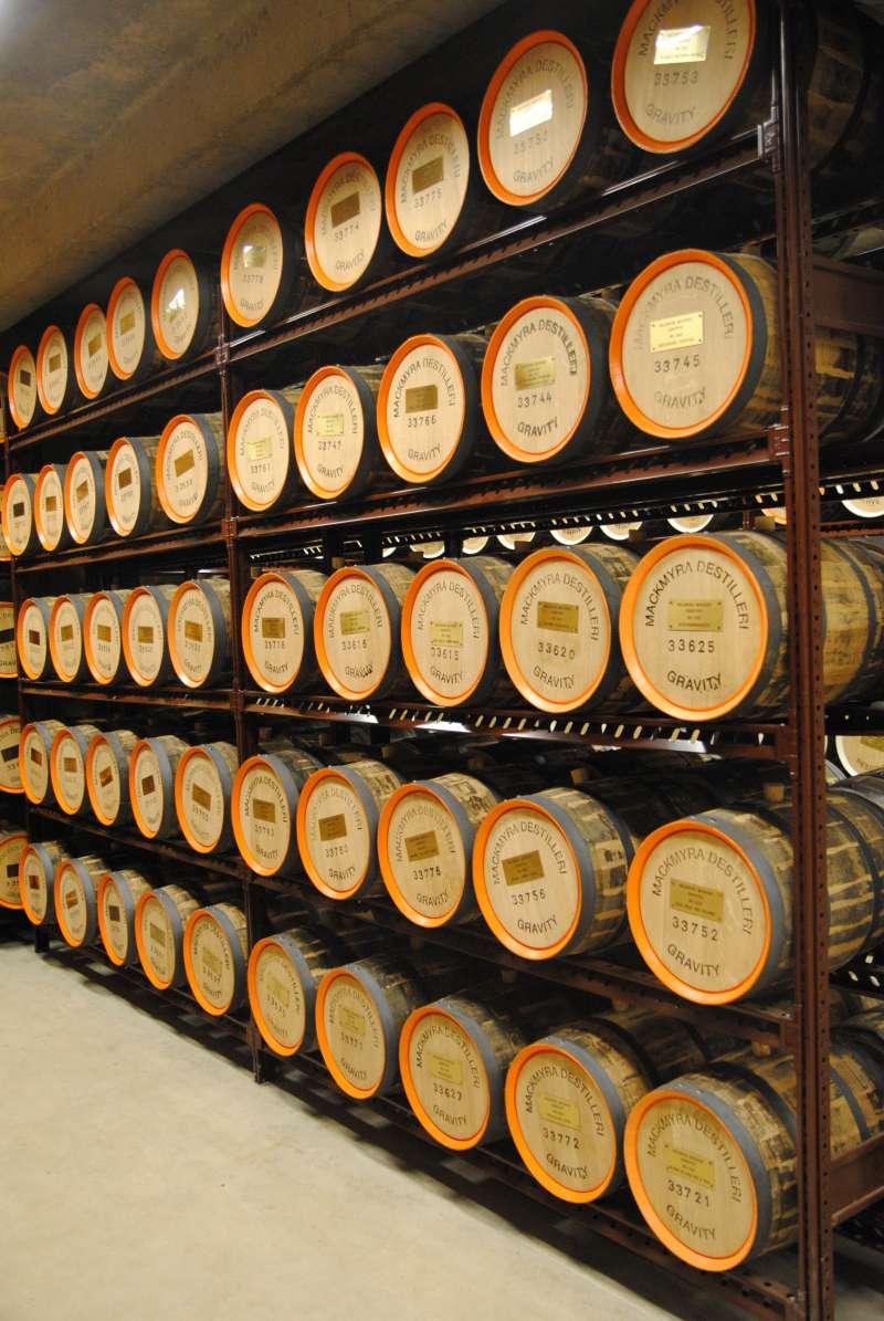 麥格瑞威士忌大量使用30公升的小橡木桶熟成(圖/酒心智庫提供)