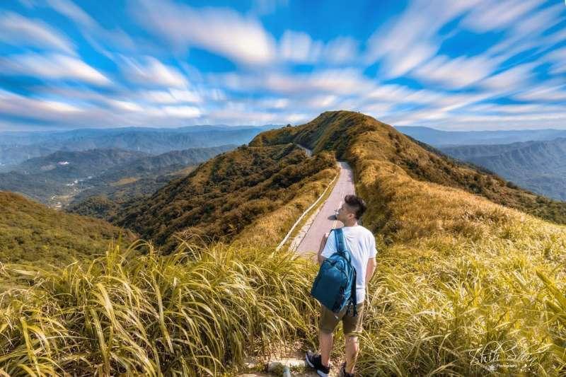 九份不厭亭的山景與雲海都十分壯觀。(圖/IG@shih.shin授權提供)