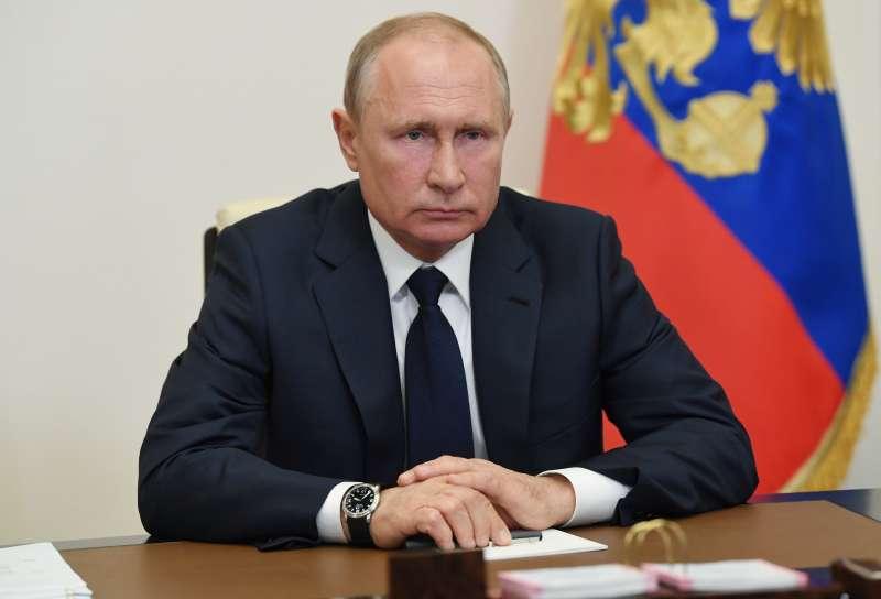 俄羅斯新冠肺炎疫情未見起色,總統普京卻宣布解除商業營業禁令。(AP)
