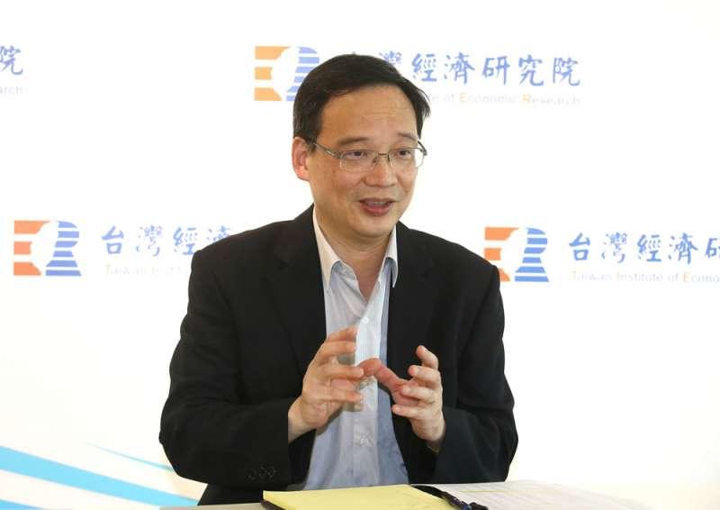 邱達生認為,美國將產線移出中國,台灣的高科技對其有優勢與誘因。(柯承惠攝)