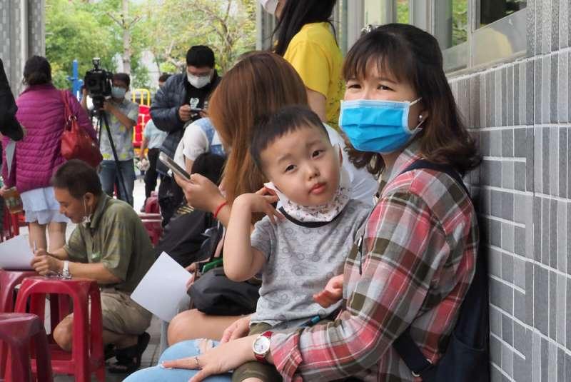疫情將導致台灣所得分配不均,有待政府設法介入。(林瑞慶攝)