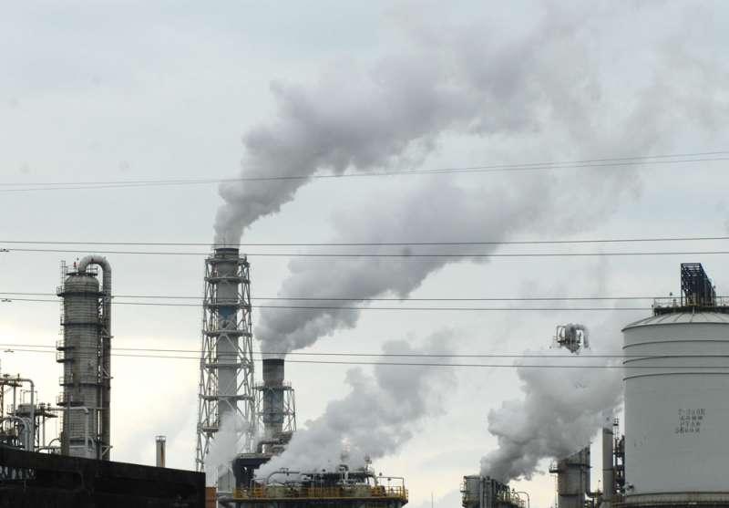 對空汙的擔心是支撐轉換再生能源的一大力量。(林瑞慶攝)