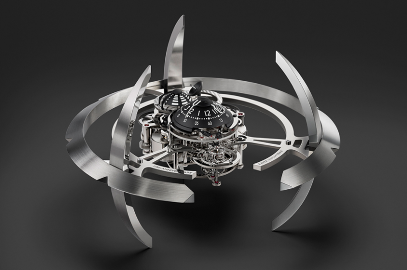 MB&F 與 L'Epée 1839 首次聯手打造的 Starfleet Machine 座鐘(圖 / 擷取自 MB&F 官方網站)