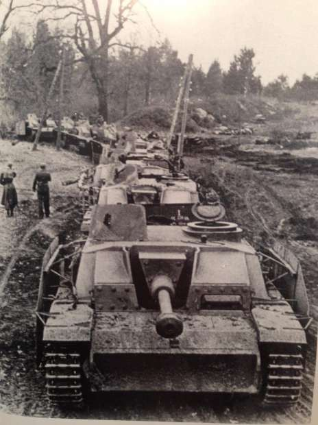 20200518-納粹黨衛軍維京裝甲師的StuG III突擊砲。(取自Wikimedia Commons)