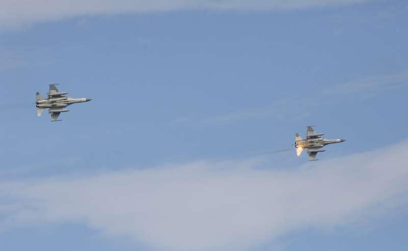 每年4至9月,空軍會以「天駒計畫」為代號,調派台中清泉崗基地IDF戰機聯隊駐防馬公機場。(郭晉瑋攝)