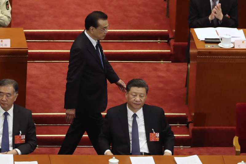2020年中國兩會。2020年5月22日,中國第十三屆全國人大第三次會議開幕,習近平、李克強(AP)
